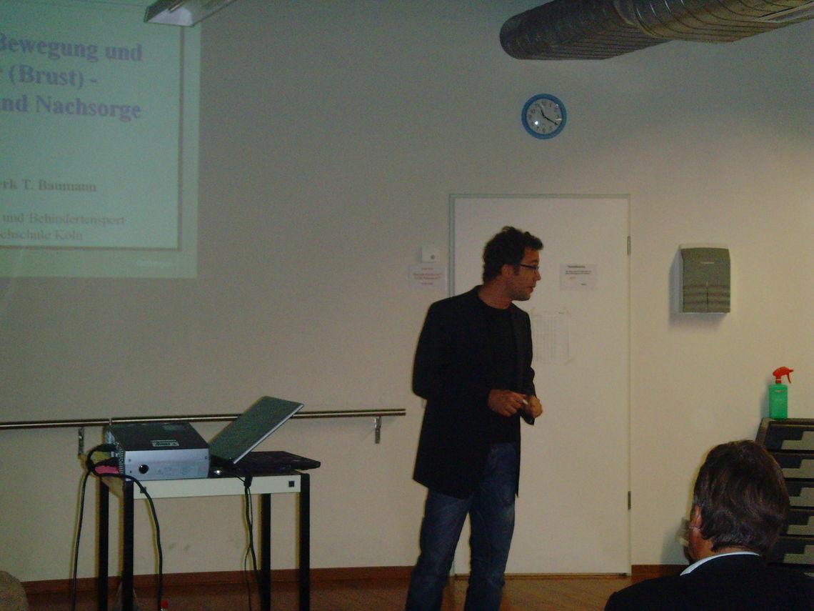 Referent Dr. Freerk T. Baumann, Institut für Rehabilitation und Behindertensport Deutsche Sporthochschule Köln, wissenschaftlicher Mitarbeiter Initiative